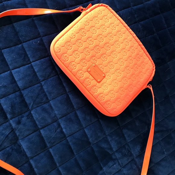Michael Kors Handbags - CUTE ORANGE MICHAEL KORS TABLET BAG/CROSS BODY